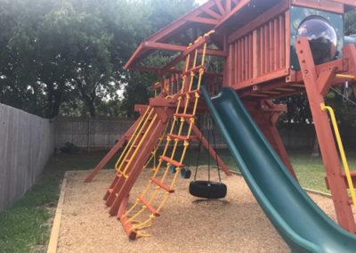 Farm-and-yard-Jaguar-playground-config-5-wood-customer-3