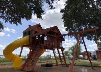 Farm-and-yard-jaguar-playground-megasized-wood-roof-customer-1