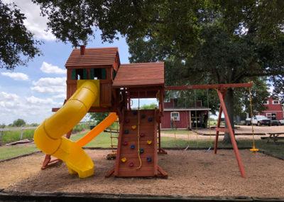 Farm-and-yard-jaguar-playground-megasized-wood-roof-customer-2