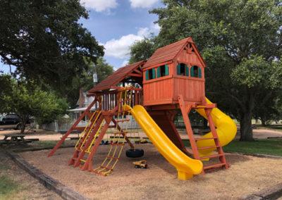 Farm-and-yard-jaguar-playground-megasized-wood-roof-customer-3
