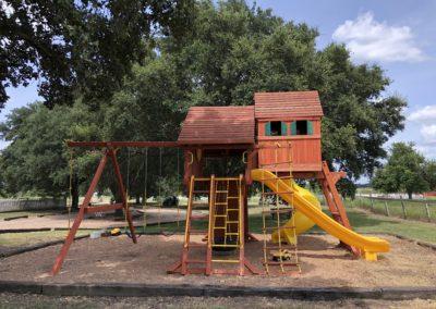 Farm-and-yard-jaguar-playground-megasized-wood-roof-customer-4