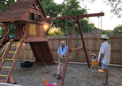 Farm-and-yard-parrot-isaland-playground-xl-wood-roof-treehouse-customer-5