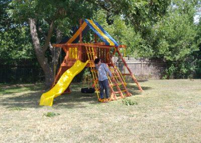 Farm-and-yard-parrot-island-playground-tarp-roof-customer-1