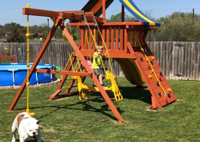Farm-and-yard-parrot-island-playground-tarp-roof-customer-3