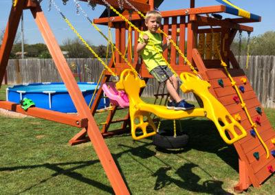 Farm-and-yard-parrot-island-playground-tarp-roof-customer-4