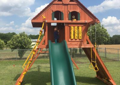 farm-and-yard-parrot-island-playground-wood-customer-10