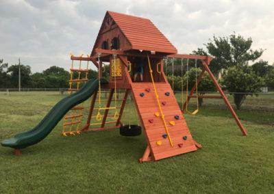 farm-and-yard-parrot-island-playground-wood-customer-9