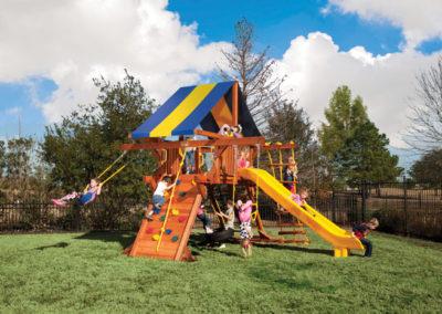 5.8 Jaguar Playcenter – Small Backyard