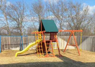 Farm-and-yard-central-texas-parrot-playground-customer-15