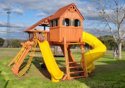 Farm-and-yard-central-texas-jaguar-playcenter-megasized-spiral-slide-customer-1