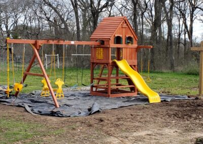 Farm-and-yard-central-texas-parrot-island-fort-treehouse-panels-1