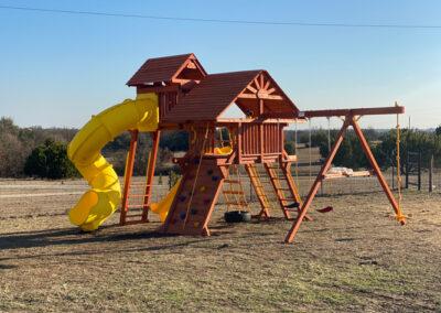 farm-and-yard-central-texas-jaguar-playcenter-spiral-slide-rr-cabin-customer-2