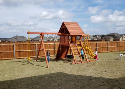 farm-and-yard-central-texas-parrot-island-playcenter-wood-roof-customer-2
