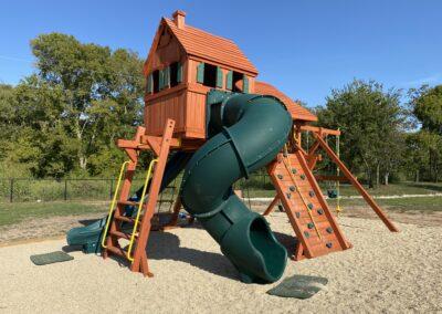 Farm-and-yard-megasized-rr-cabin-spiral-slide-customer-3