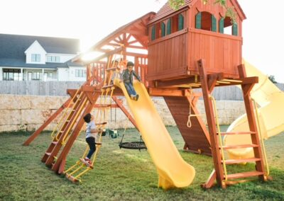 farm-yard-central-texas-6-5-jaguar-playcenter-megasized-edition-with-rr-cabin-and-spiral-slide-1