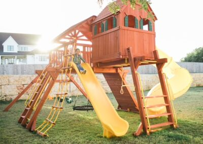 farm-yard-central-texas-6-5-jaguar-playcenter-megasized-edition-with-rr-cabin-and-spiral-slide-2